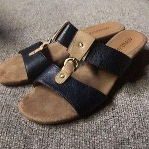 EUC Aerosole size 9.5 sandal navy/taupe